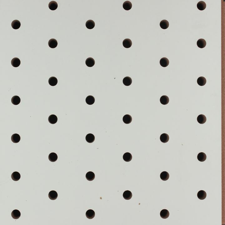 暖白色交叉孔吸音板
